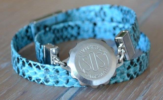 SOS-talisman-armband-slangenprint-blauw