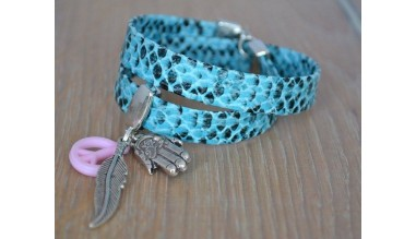 armband-blauwe-slangenprint-met-bedels